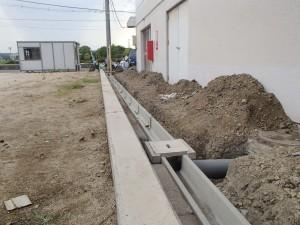 ショッピングセンター歩行者通路堆水改善工事