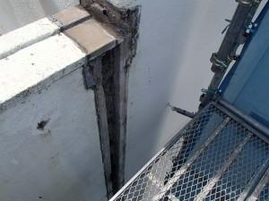 広島市内小学校外壁エキスパンション補修工事